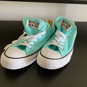NWT turquoise converse all star